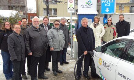 La Ville de Joliette offre maintenant une borne de recharge rapide pour les véhicules tout électriques