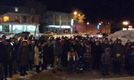La vigile de solidarité pour la communauté musulmane attire plus de 75 personnes à Joliette