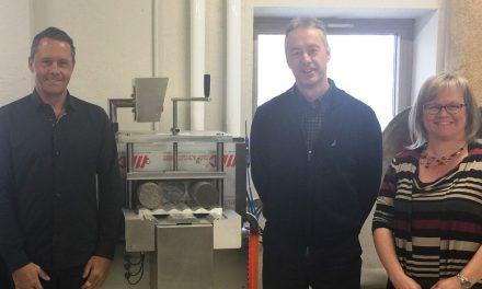 Un don de 25 000 $ de TRJ Telecom permet l'acquisition de nouveaux équipements en Technologie du génie civil au Cégep à Joliette