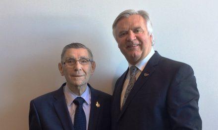 Jacques Lane reçoit la Médaille du Lieutenant-gouverneur pour les aînés