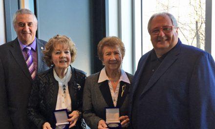Deux Prairiquoises honorées lors de la cérémonie de remise de médailles du Lieutenant-gouverneur pour les aînés