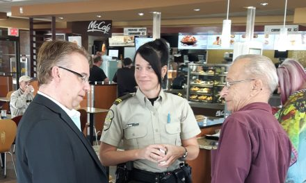 Beau succès de l'activité « Un café avec un policier » dans la MRC de Joliette