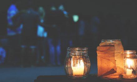 Visite a la lanterne dans les jardins d'Antoine-Lacombe