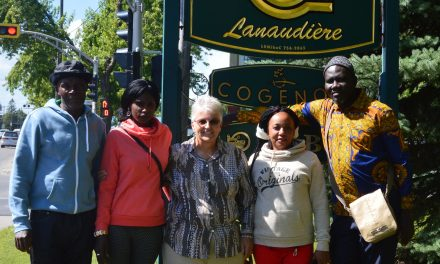 Les producteurs agricoles de Lanaudière accueillent des paysans d'Haïti et du Sénégal sur leurs terres pour un stage technique
