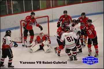 Les Loups l'emportent 6 à 2 contre Varennes