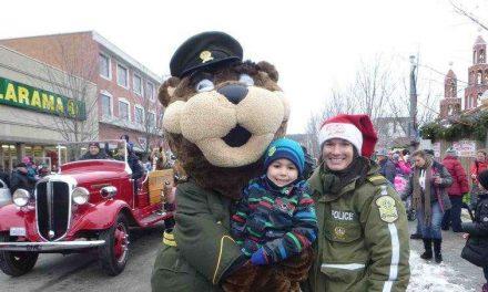 Polixe vole la vedette au Père Noël à Joliette