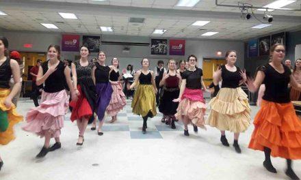 L'Académie Antoine-Manseau présente la comédie musicale le Moulin Rouge