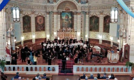 Plus de 600 personnes assistent au grand concert annuel de l'Ensemble vocal Vox Luminosa!