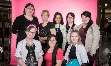 2ième édition de la levée de fonds UNE POSE POUR LE ROSE au profit de la Société canadienne du cancer: dédiée au cancer du sein