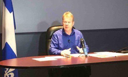 « Les enfants du Québec n'ont pas à être pris en otage par les querelles politiques » -André Villeneuve