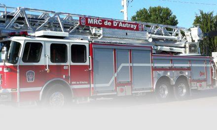 Incendie dans une bâtisse industrielle à Lavaltrie