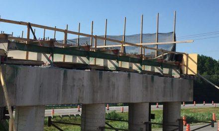 Reconstruction du pont au-dessus de l'autoroute 40 à Lanoraie : les travaux se déroulent bien