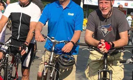 Françcois St-Louis enfourche son vélo pour la bonne cause