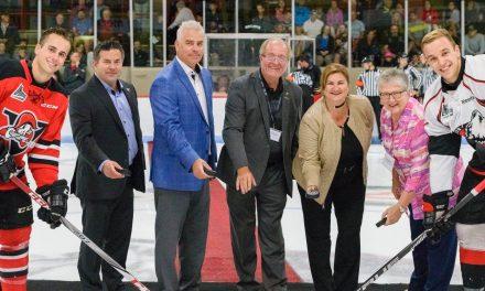 Le match hors-concours de la LHJMQ à Saint-Gabriel attire des centaines d'amateurs de hockey de la région