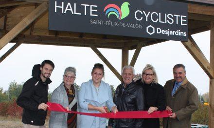 Inauguration d'une nouvelle halte cycliste à Saint-Félix-de-Valois