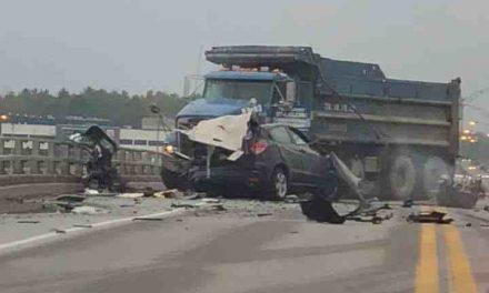 Un grave accident cause la fermeture de la route 158