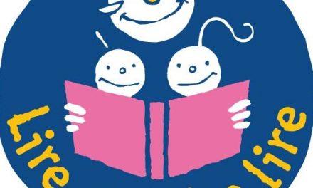 Le plaisir de la lecture pour des enfants avec des aînés bénévoles