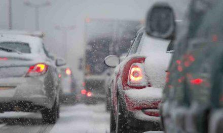 Hiver et sécurité: articles essentiels à conserver dans votre voiture