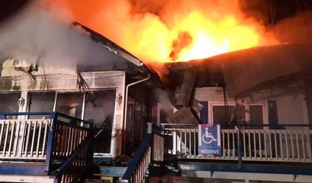 Saint-Zénon : un restaurant détruit par un incendie