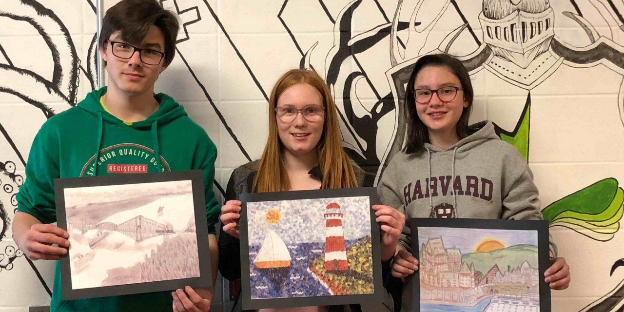Trois élèves de l'Érablière s'illustrent dans un concours de dessin national