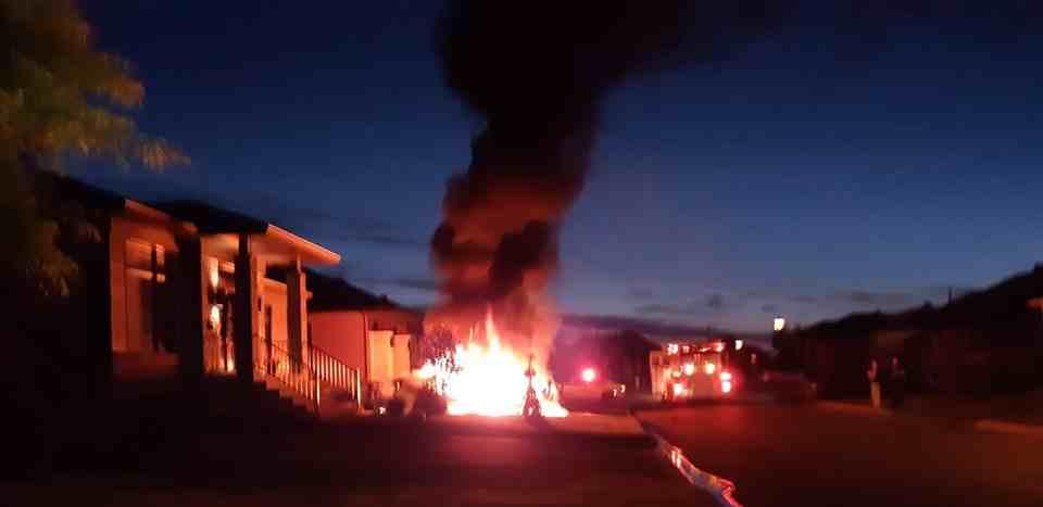 Saint-Paul : incendie suspect d'un véhicule