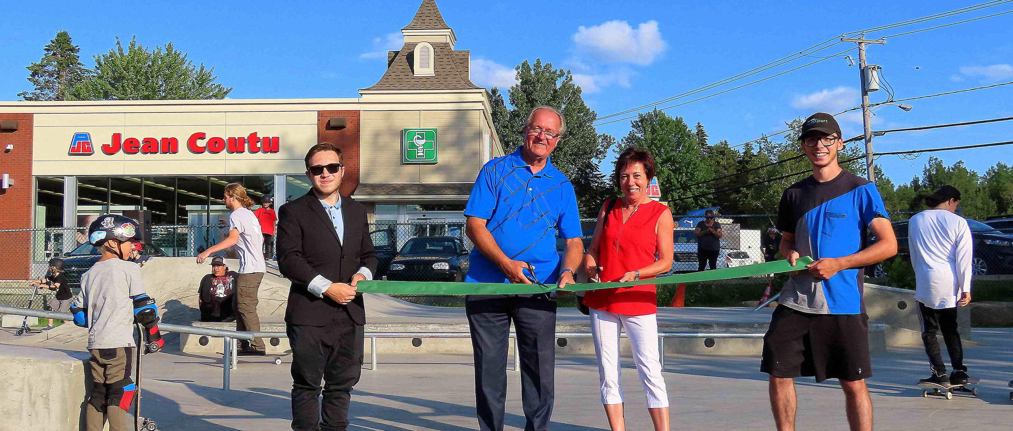 La Ville de Saint-Gabriel, la municipalité de Saint-Gabriel-de-Brandon et le Centre sportif et culturel de Brandon (CSCB) sont heureux d'annoncer l'ouverture officielle du parc de planches à roulettes.