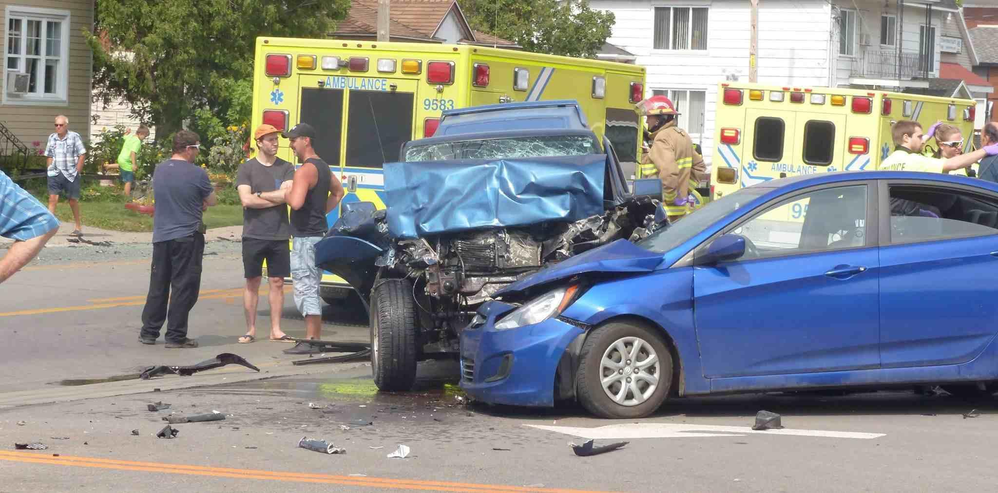 accident, camionnette, rue Visitation, Saint-Charles-Borromée