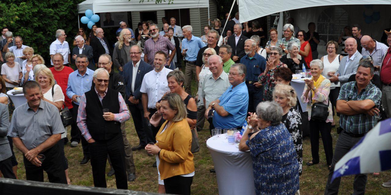 Plus de 140 personnes au cocktail de la rentrée de Caroline Proulx!