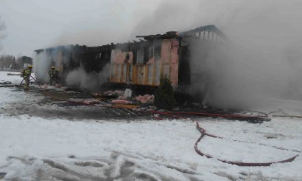Une maison mobile brûle à Saint-Thomas
