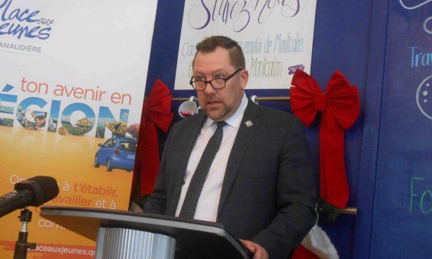 Le député de Rousseau Louis-Charles Thouin remet 50 000$  aux banques alimentaires de sa région !