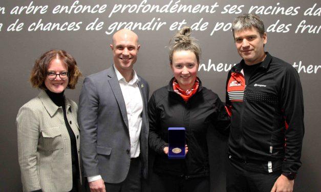 Catherine Breault-Germain reçoit la Médaille académique du Gouverneur général