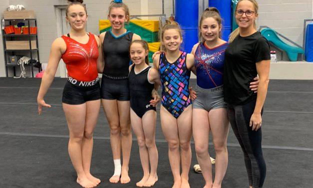 Cinq gymnastes de Hopla au camp d'entrainement pour les Jeux du Québec 2021
