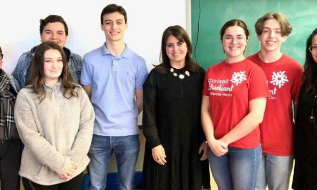 L'école secondaire Thérèse-Martin démystifie le rôle de politicien