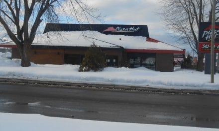 Le Pizza Hut déménage