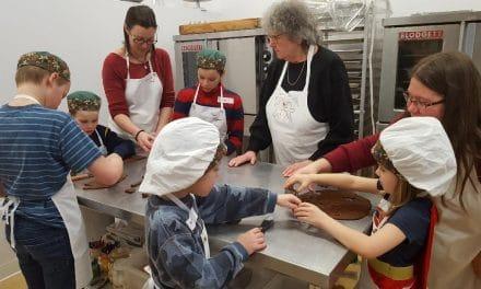 Ateliers de fabrication de biscuits à la Maison du Pain d'Épices