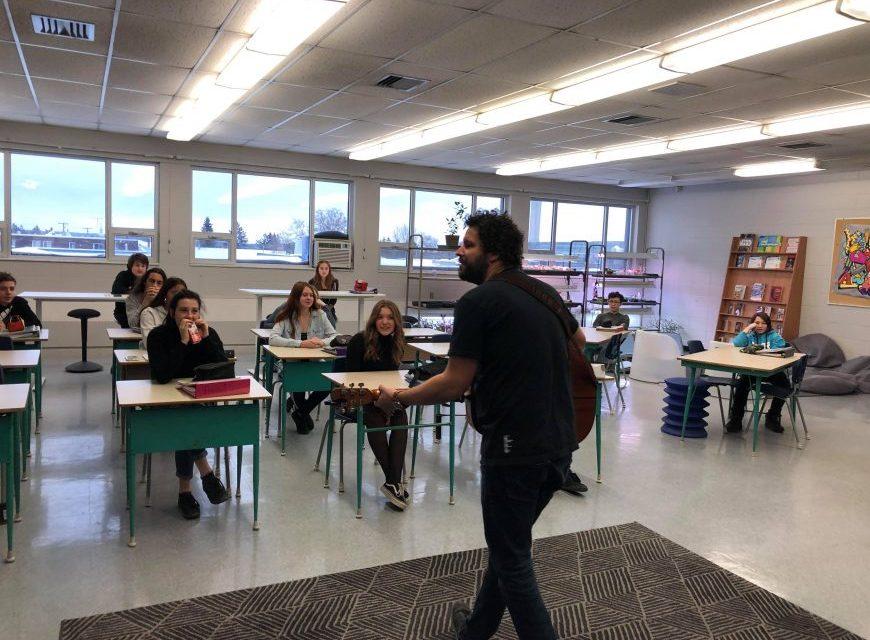 L'école secondaire de l'Érablière s'enracine avec Simon Boudreau