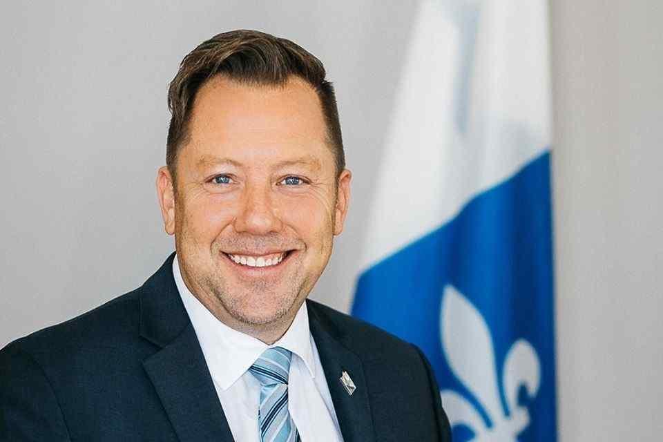Louis-Charles Thouin, député de Rousseau, annonce près de 450 000 $ pour l'entretien du réseau routier de sept municipalités de la circonscription de Rousseau
