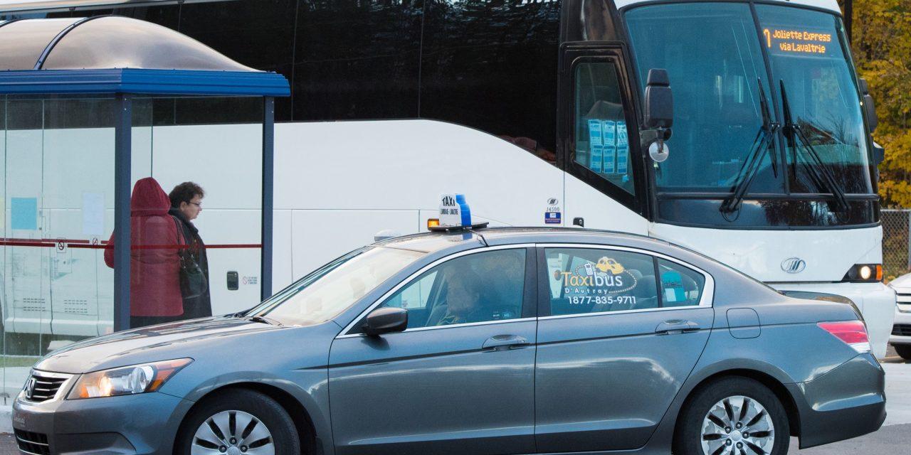 Le port du couvre-visage recommandé dans les transports collectifs et adaptés