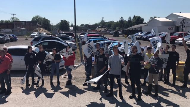Les employé-e-s de l'usine Olymel de Berthierville manifestent pour le maintien de la  « prime COVID »