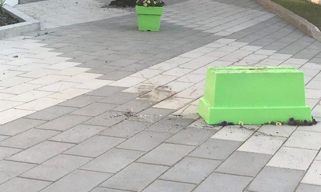 Du vandalisme au parc Lionel-Ricard et au stationnement de l'hôtel de ville de Sainte-Julienne
