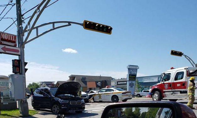 Saint-Charles-Borromée : une voiture de la SQ impliquée dans un accident