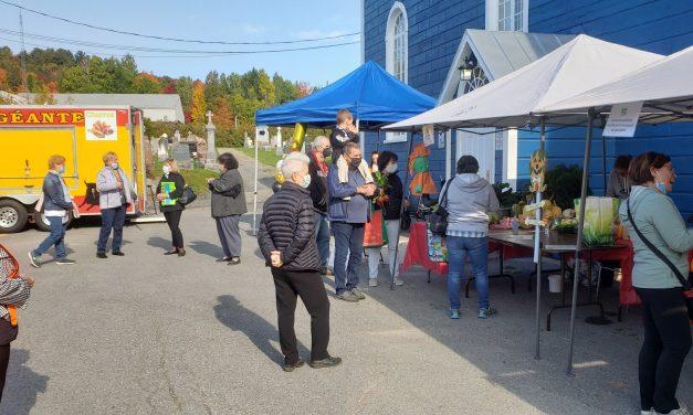 Les citoyens de Chertsey lancent leur premier marché public