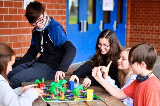 Des élèves ont créé un jeu de société ayant pour thème l'environnement