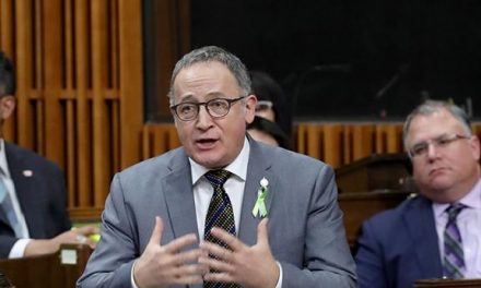 Yves Perron réélu vice-président du comité permanent sur l'agriculture et l'agroalimentaire de la Chambre des communes