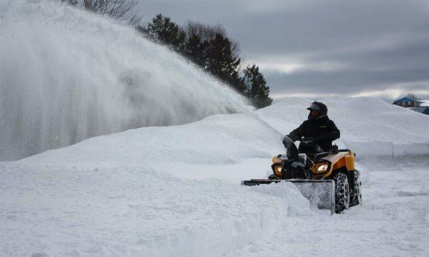 Souffleuses à neige pour VTT adaptables à la majorité des marques de quad et côte-à-côte