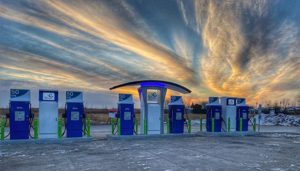 Six nouvelles bornes de recharge rapide pour véhicules électriques maintenant en service à Berthierville