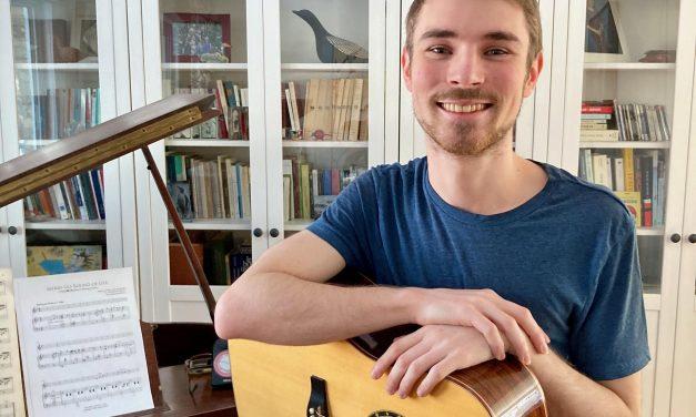 François-Félix Roy, gagnant de la finale locale de Cégeps en spectacle à Joliette