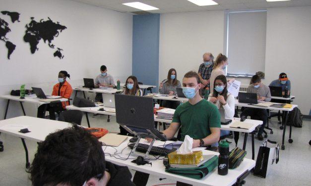 Des étudiant.es en Techniques de comptabilité et de gestion s'impliquent dans la communauté