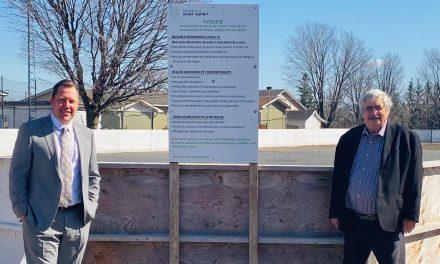 Plus de 2 M $ pour la construction d'une patinoire couverte à Saint-Esprit