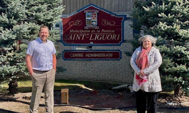 Louis-Charles Thouin souligne l'octroi de plus de 650 000$ à la municipalité de Saint-Liguori pour la construction d'un chalet des loisirs